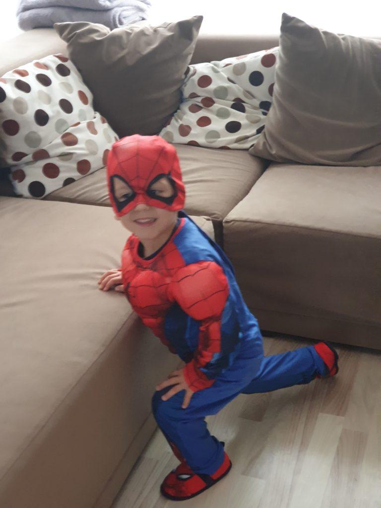 spider man Leon